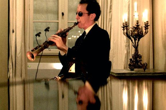 Glauco Cerejo tocando Sax Soprano